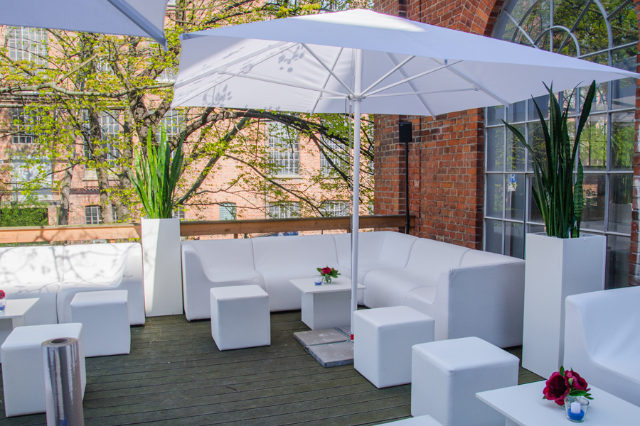 Outdoor-Lounge-Schirme