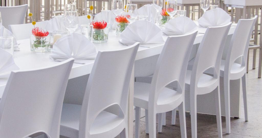 EVENTTOOL24 Tische Stühle mieten Party